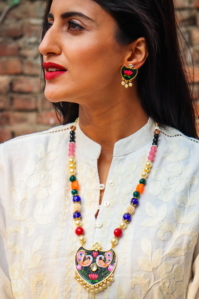 Safed Mor Handpainted Kundan Necklace Set