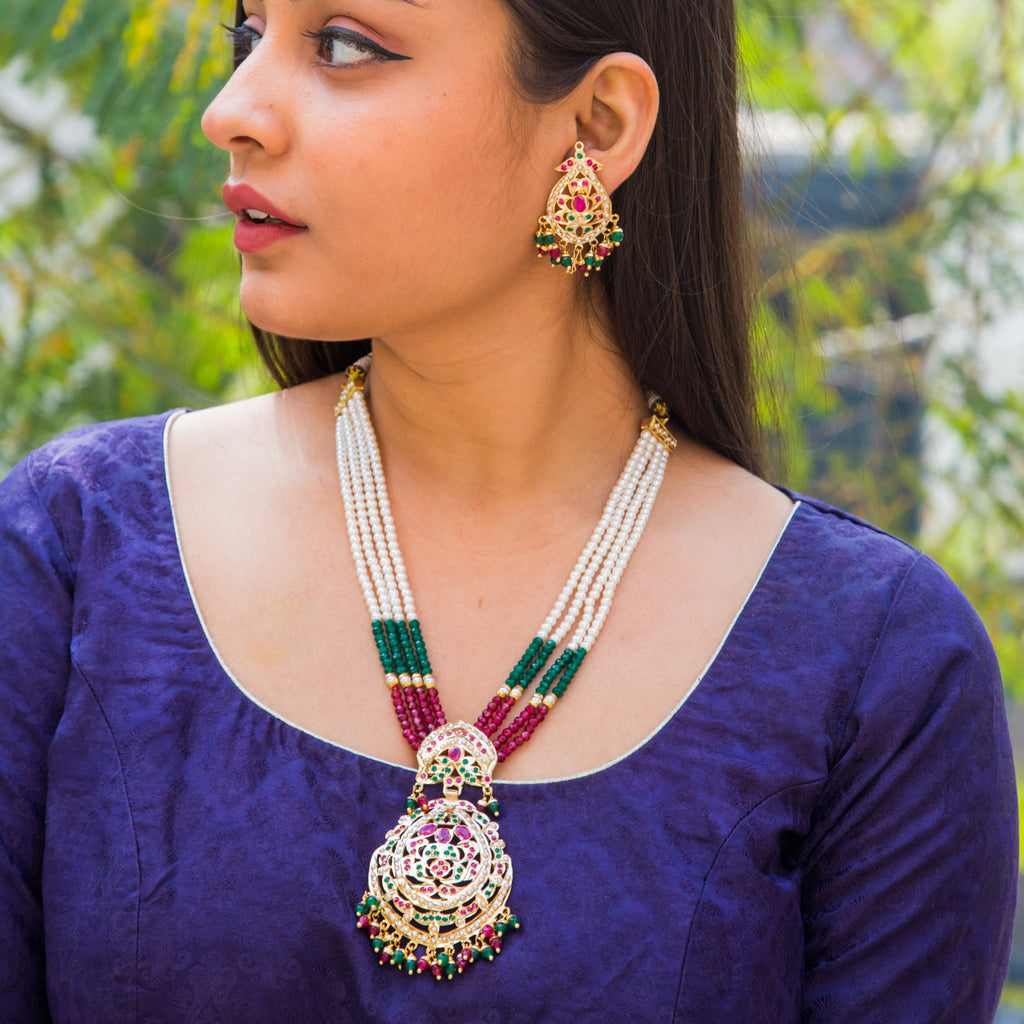 Anokhi Jadau Necklace Set