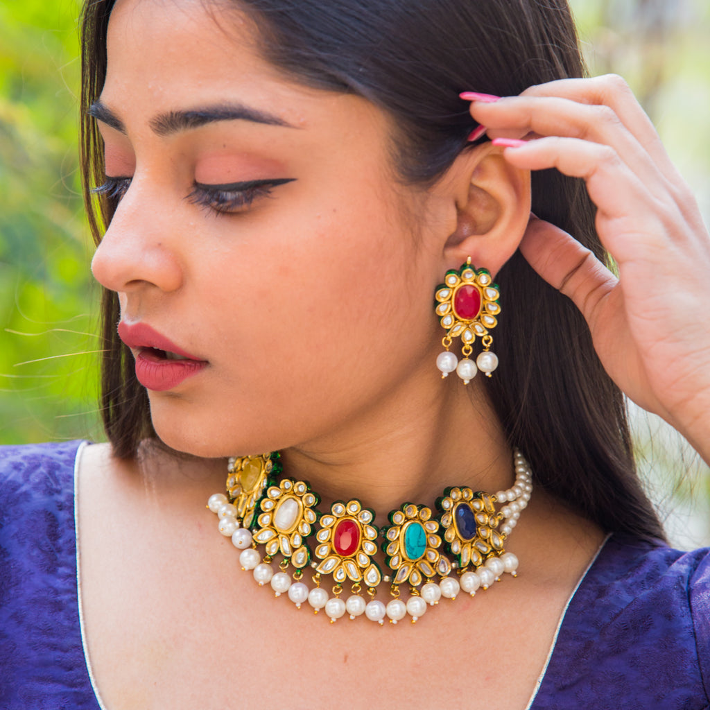 Bhaumi Kundan Necklace Set