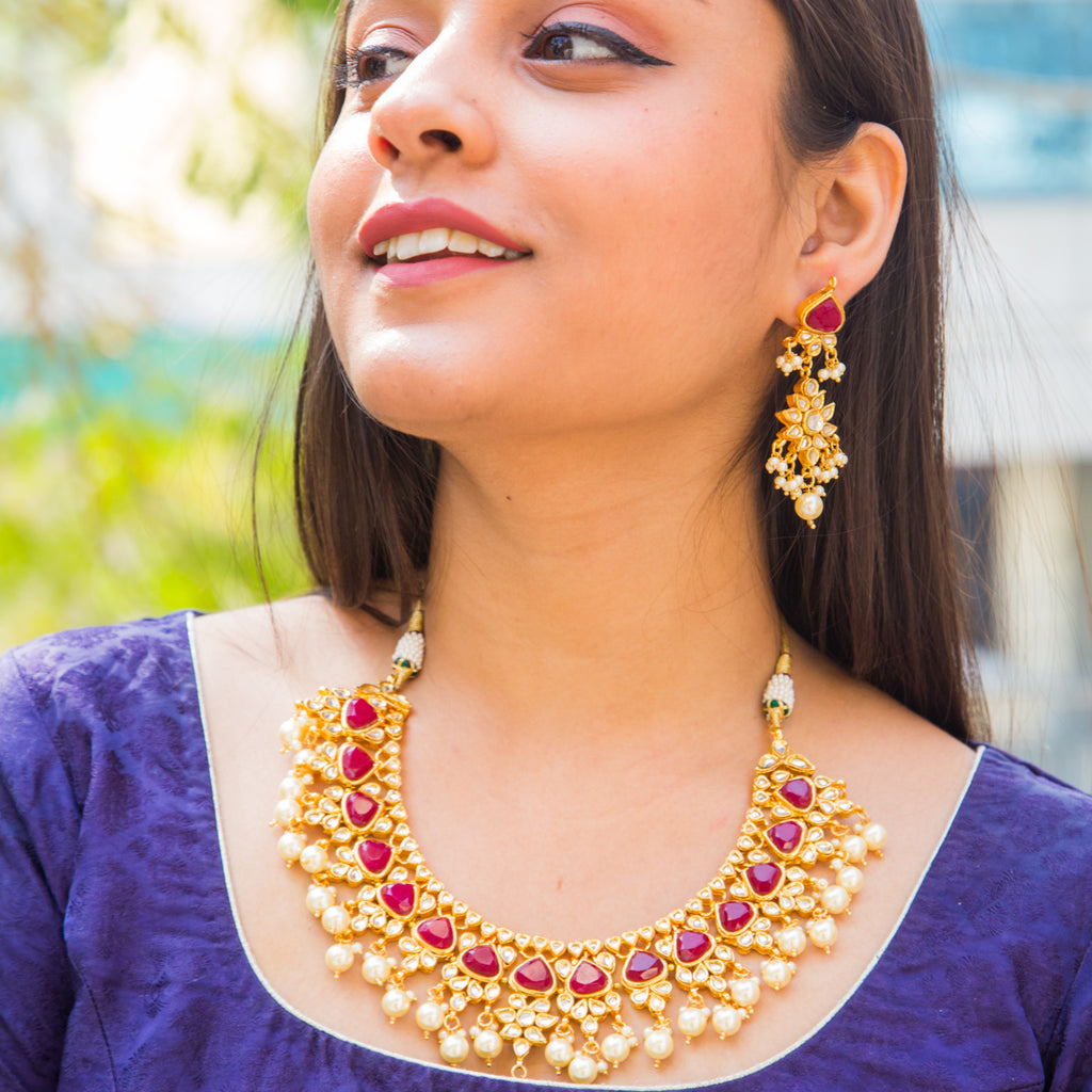 Chintanika Kundan Necklace Set