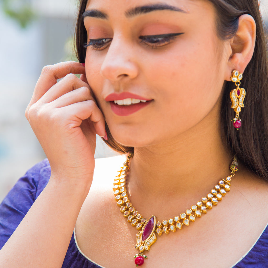 Adarshini Kundan Necklace Set