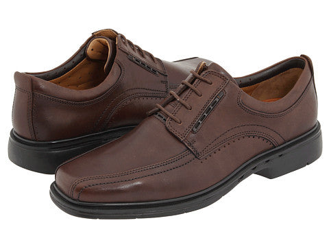 Clarks Un. Kenneth Brown