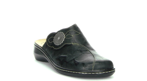 Think! Camilla Black Clog