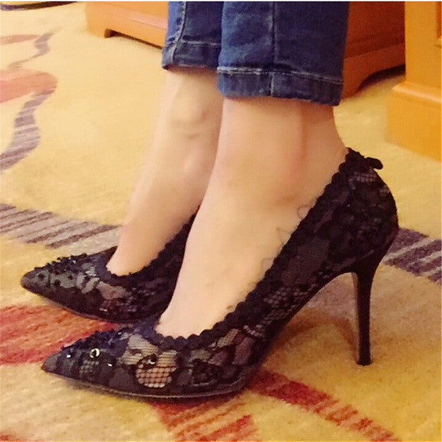 Sexy Lace Black Women Pumps W/ Pointed Toe