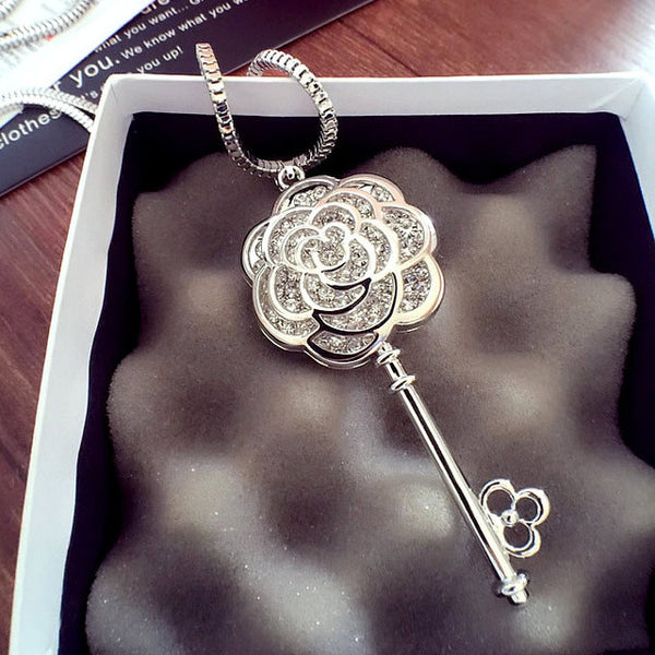Key Hollow Rose Sweater Pendant Chain
