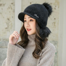 Women's Knitted Hat with Rabbit Fur