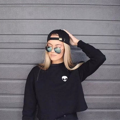 Alien Crop Top Sweatshirt - Black / S - Hoodies & Sweatshirts