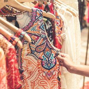 "10 Reasons to Buy ""Pre-loved"" Clothing and Accessories"