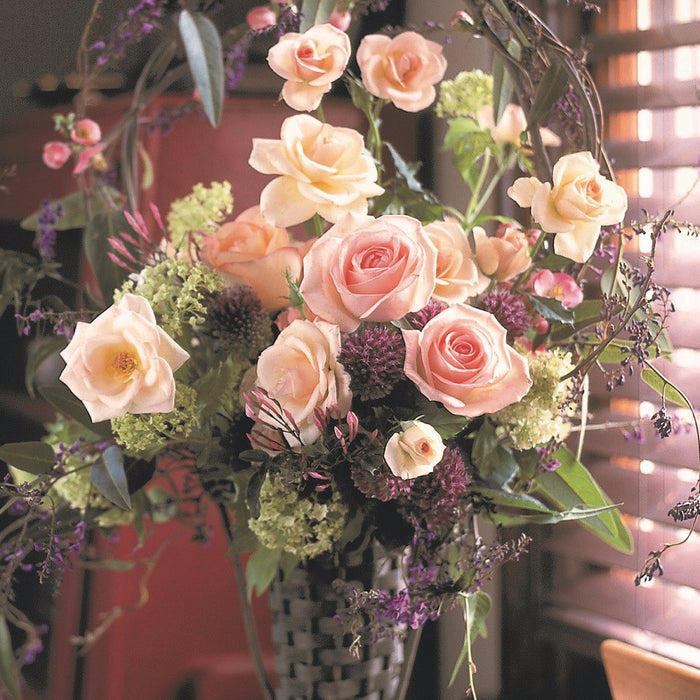 Tall centerpiece roses