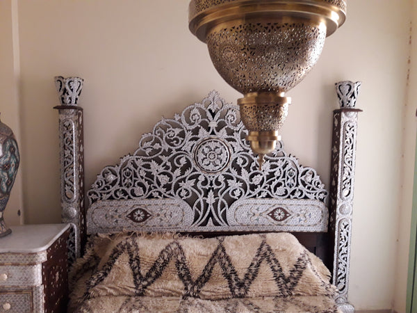 Royal Damascus mother of pearl bed