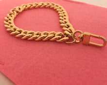 Chain Wristlet Gold (12mm) Light Curb