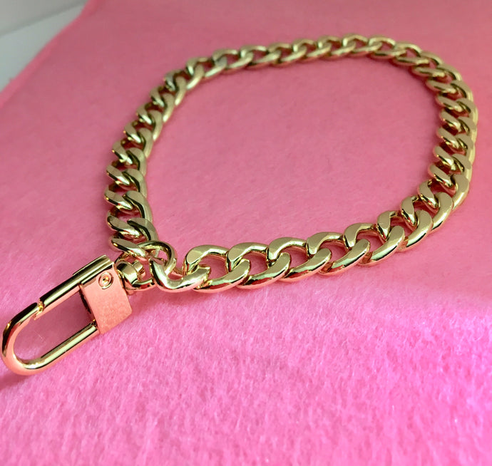 Chain Wristlet Gold (9mm) Curb