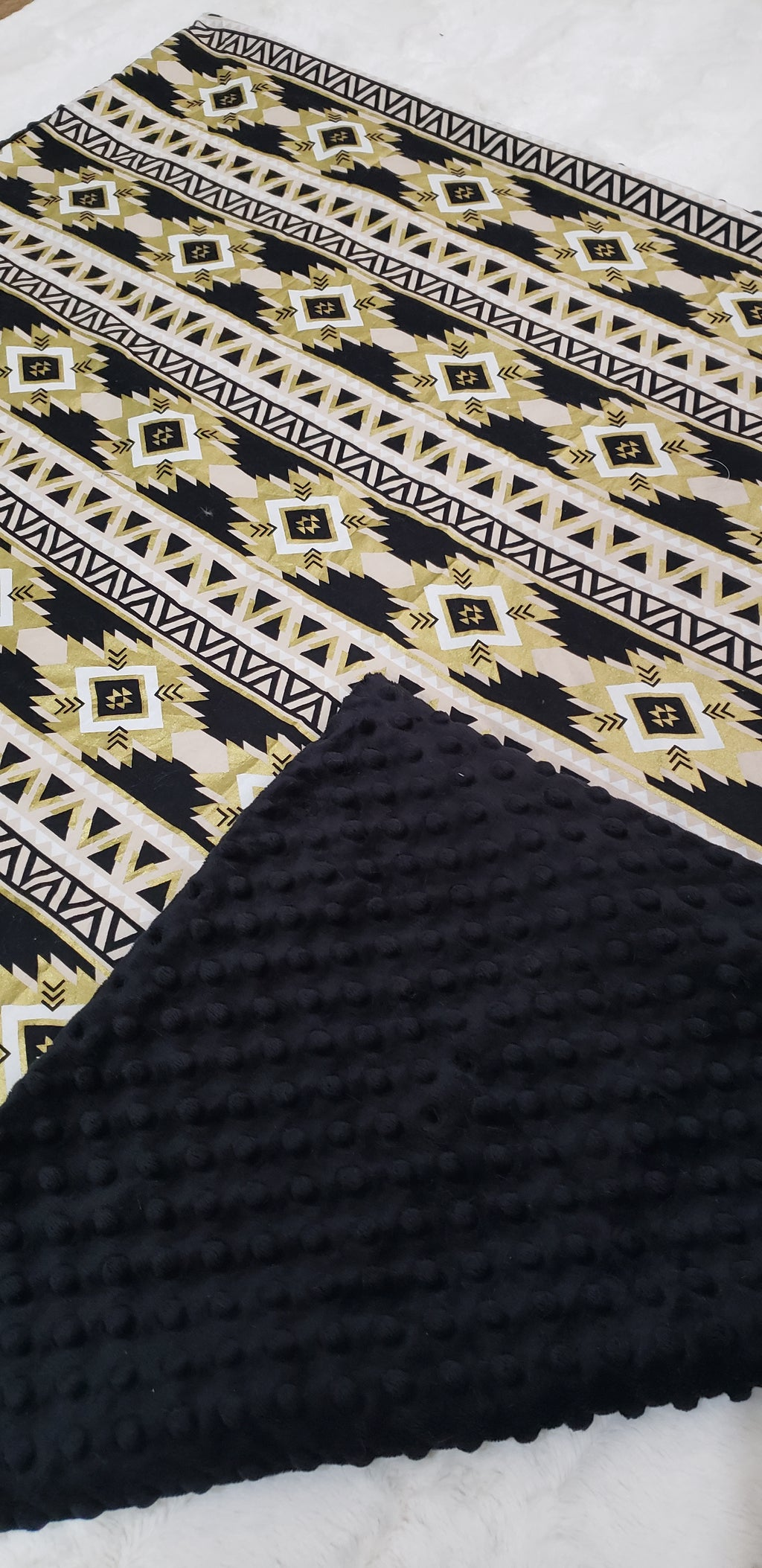 Black and gold Blanket