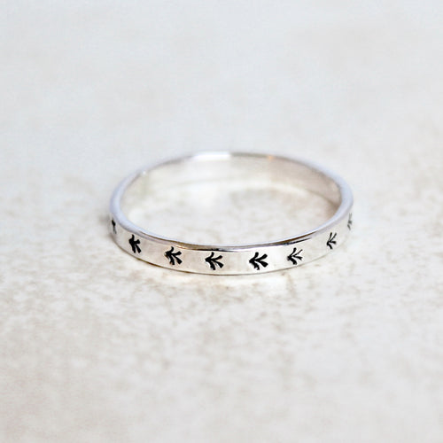 Arrow Flat Ring Band