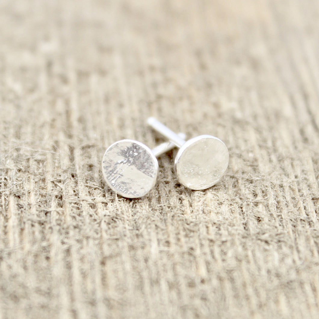 Flat Dot Earrings