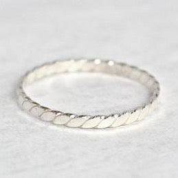 Flat Twist Ring Band