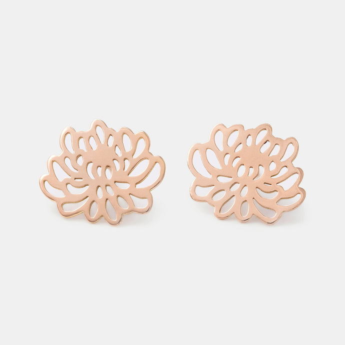 Chrysanthemum earrings: solid rose gold