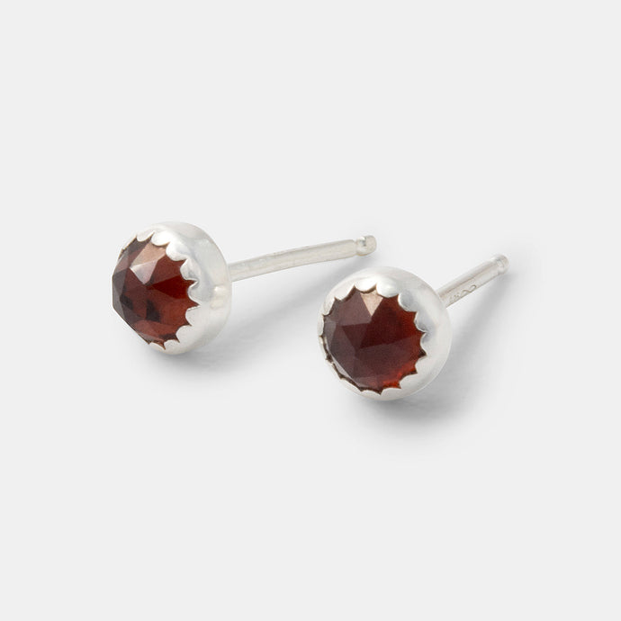 Garnet gemstone and sterling silver stud earrings handmade by handcrafted jewellery designer Simone Walsh.