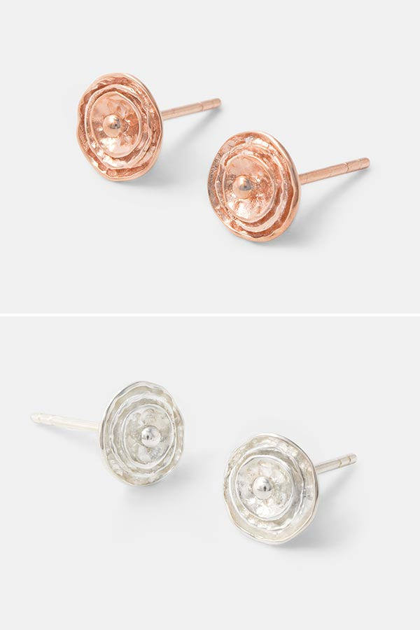 Rose stud earrings in rose gold. Beautiful handmade rose gold jewelry: unique stud earrings in our handmade jewelry store.