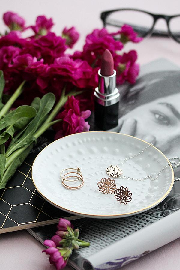 Rose gold stud earrings with matching pendant: solid rose gold jewellery by Australian jewellery designer Simone Walsh.