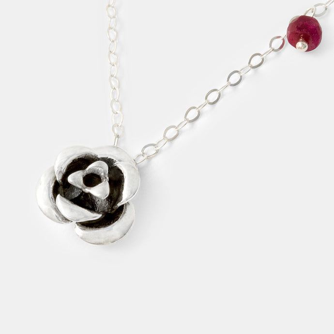 Shapely rose pendant