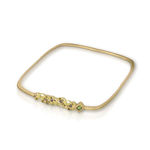 Scribble Square bangle in 18K gold