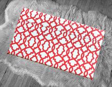 Load image into Gallery viewer, Red and White Trellis Pattern, Cover for Hemmahos Bench Pad