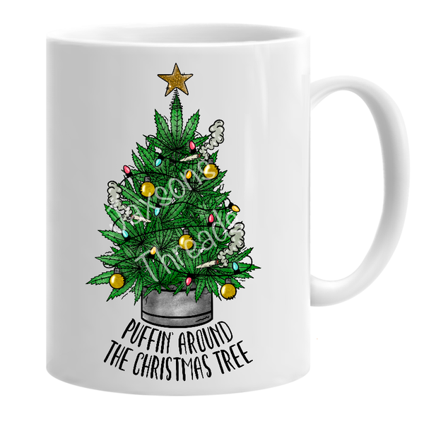 Puffin around the Christmas tree mug