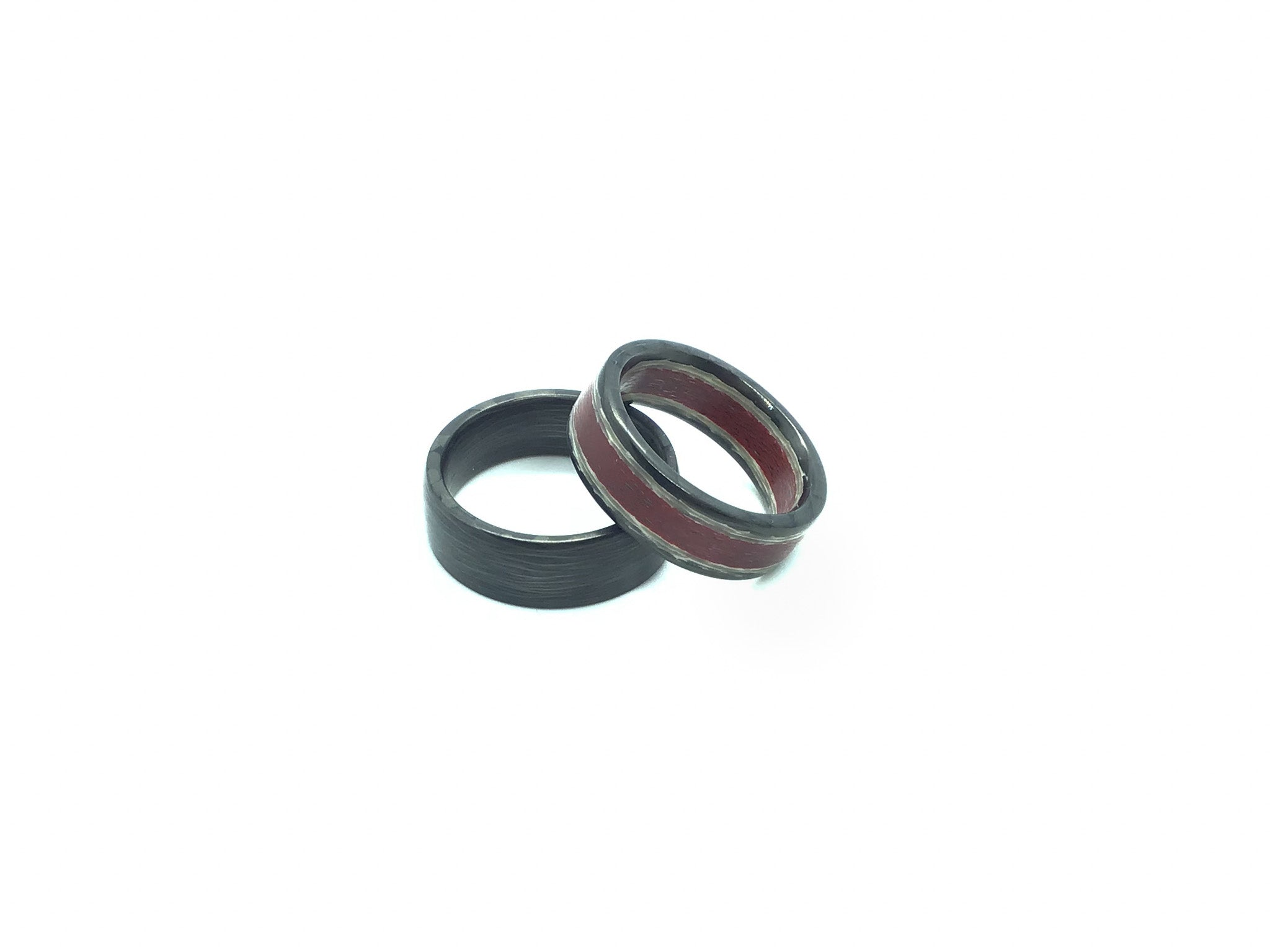 Ready to Ship-Metallic Carbon Fiber Red and Matte Carbon Fiber Ring