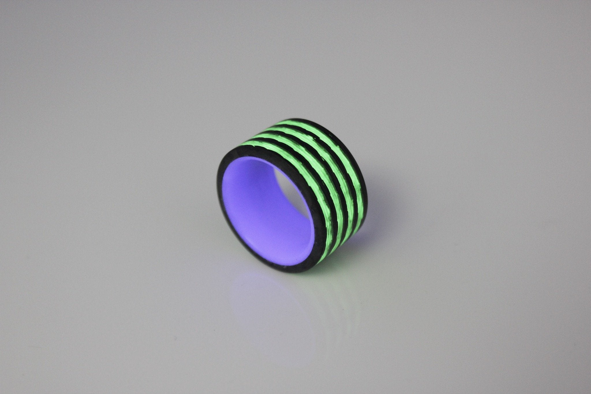 Joker Saturn Carbon Fiber Ring