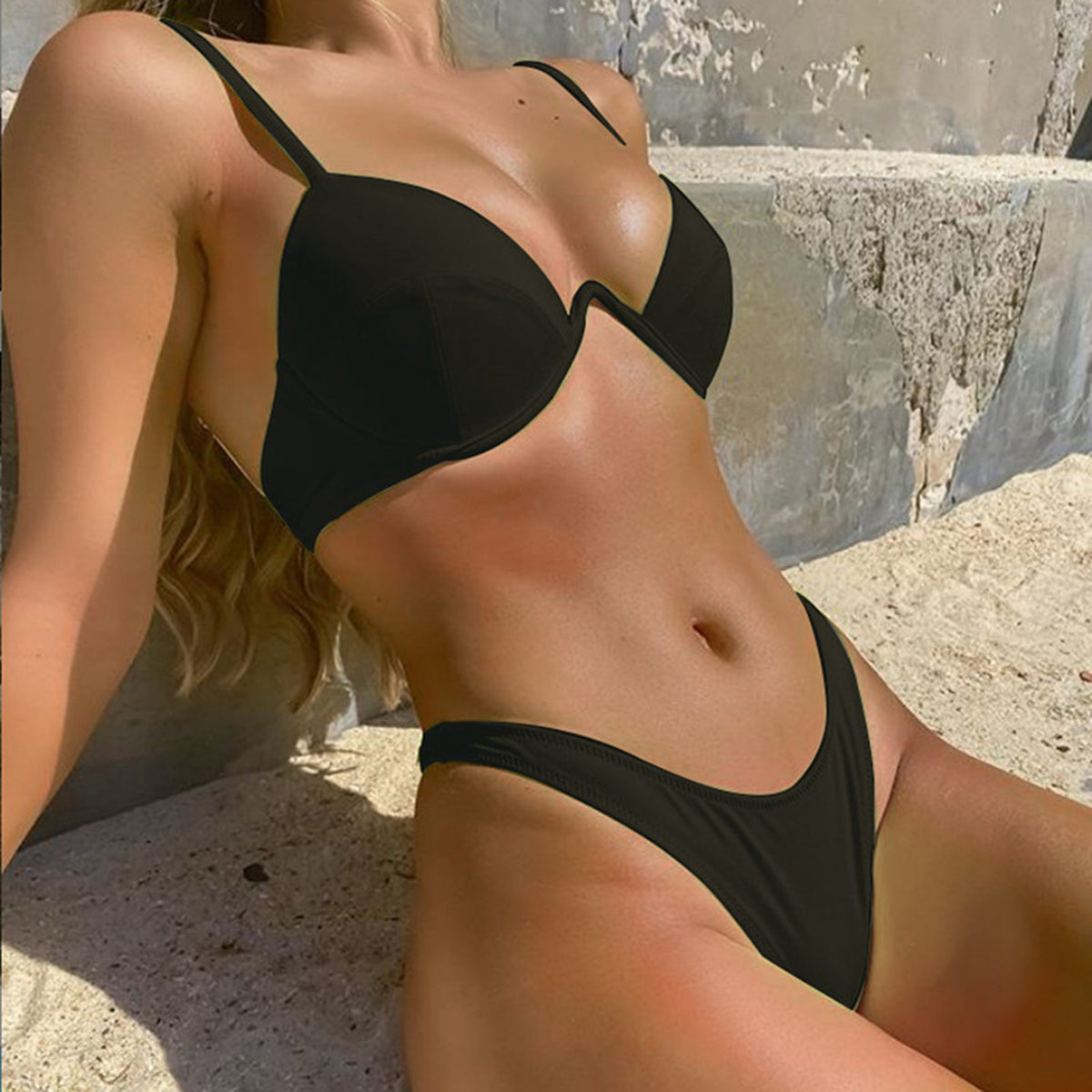 Solid Color Underwire High Leg Bikini Swimsuit - worthtryit.com