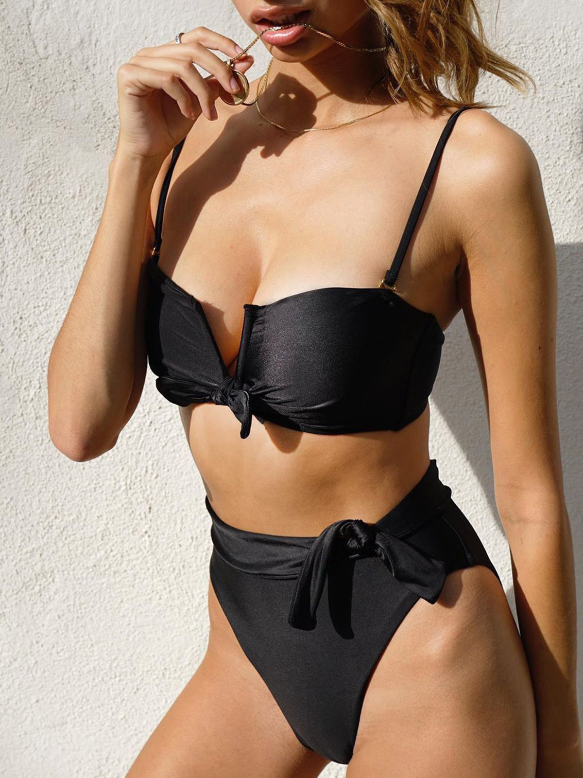 Cute V Cut Bow Knot High Waist Bikini Set - worthtryit.com