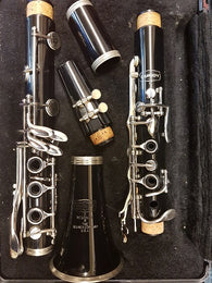 Second hand: Selmer Bundy Resonite Bb Clarinet (fully serviced)