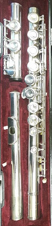 Second hand: Yamaha Flute YFL 211S (fully refurbished) - one only