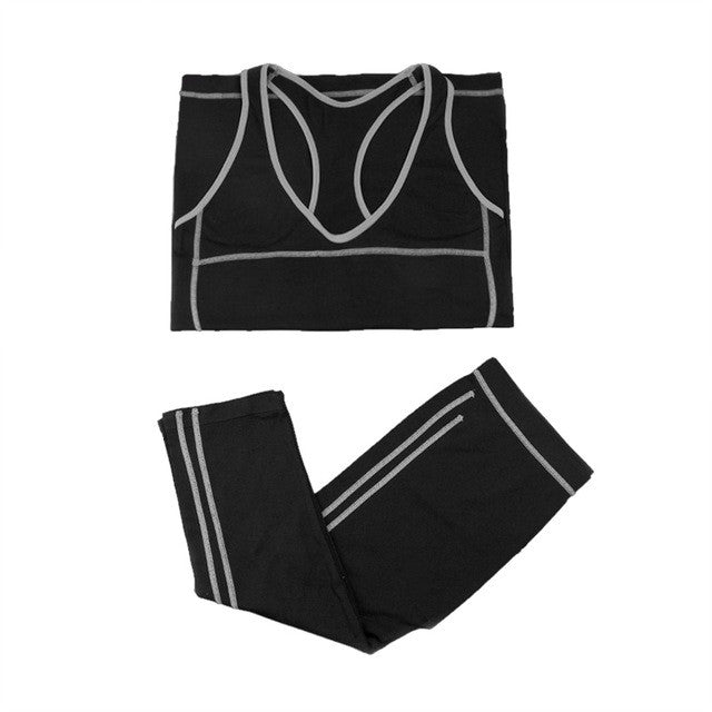 2 Piece Yoga Set With Tank Top & Capri Pants