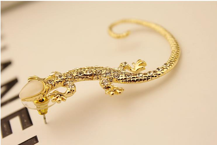 One Piece Unique Lizard Earring