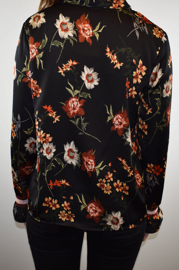 Grace and Mila Reset Black Floral Blouse
