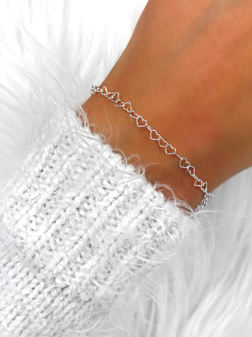 JULITA Simple Everyday Tiny Heart Chain Bracelet (Sterling Silver)