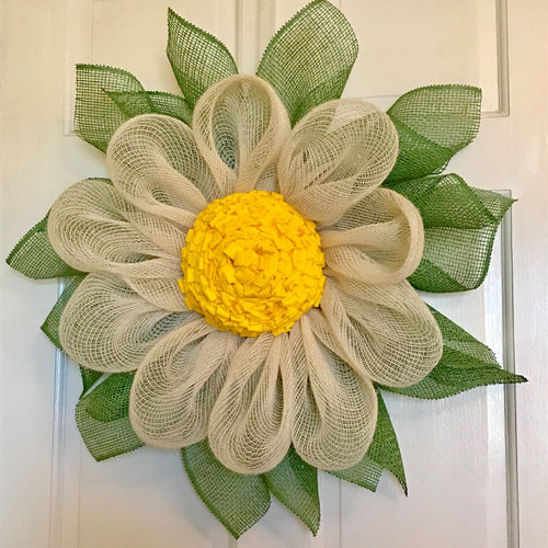 Daisy Wreaths - She Shed Home Decor