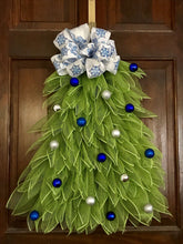 Christmas Wreath, Tree