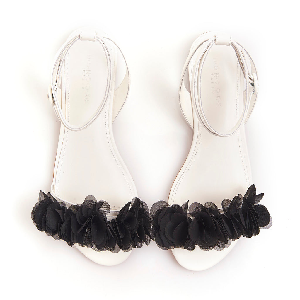 JAJA WHITE BLACK Flat leather Frufu handmade Sandals
