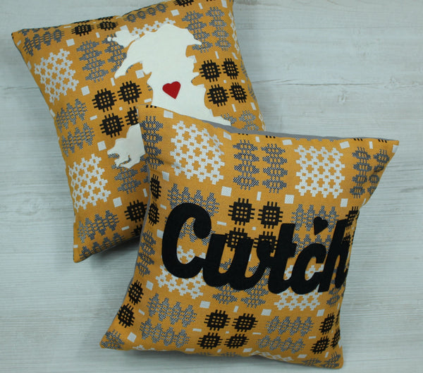 Cwtch Cushion in Gold