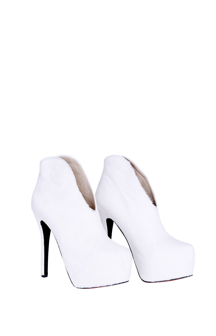 BOOTS \ STRUT IN WHITE