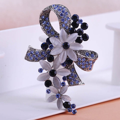 Pretty Elegant Antique Silver Plated Flowers with Opals Full Crystals Scarf Brooch Pin