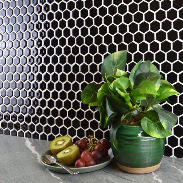 gloss-black-hexagon-mosaic-tiles