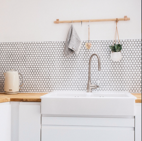White-Hexagon-mosaic-Kitchen-Tile