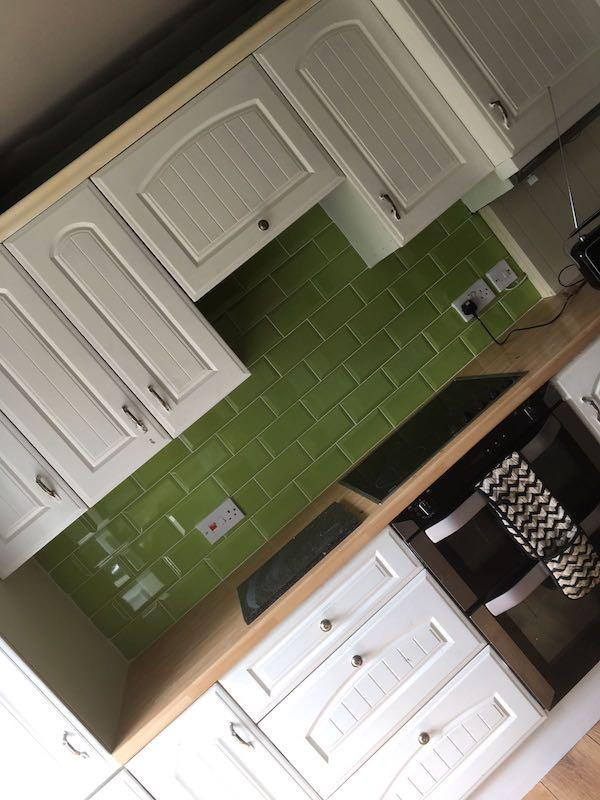 Bevelled Kiwi Green Metro Wall Tiles