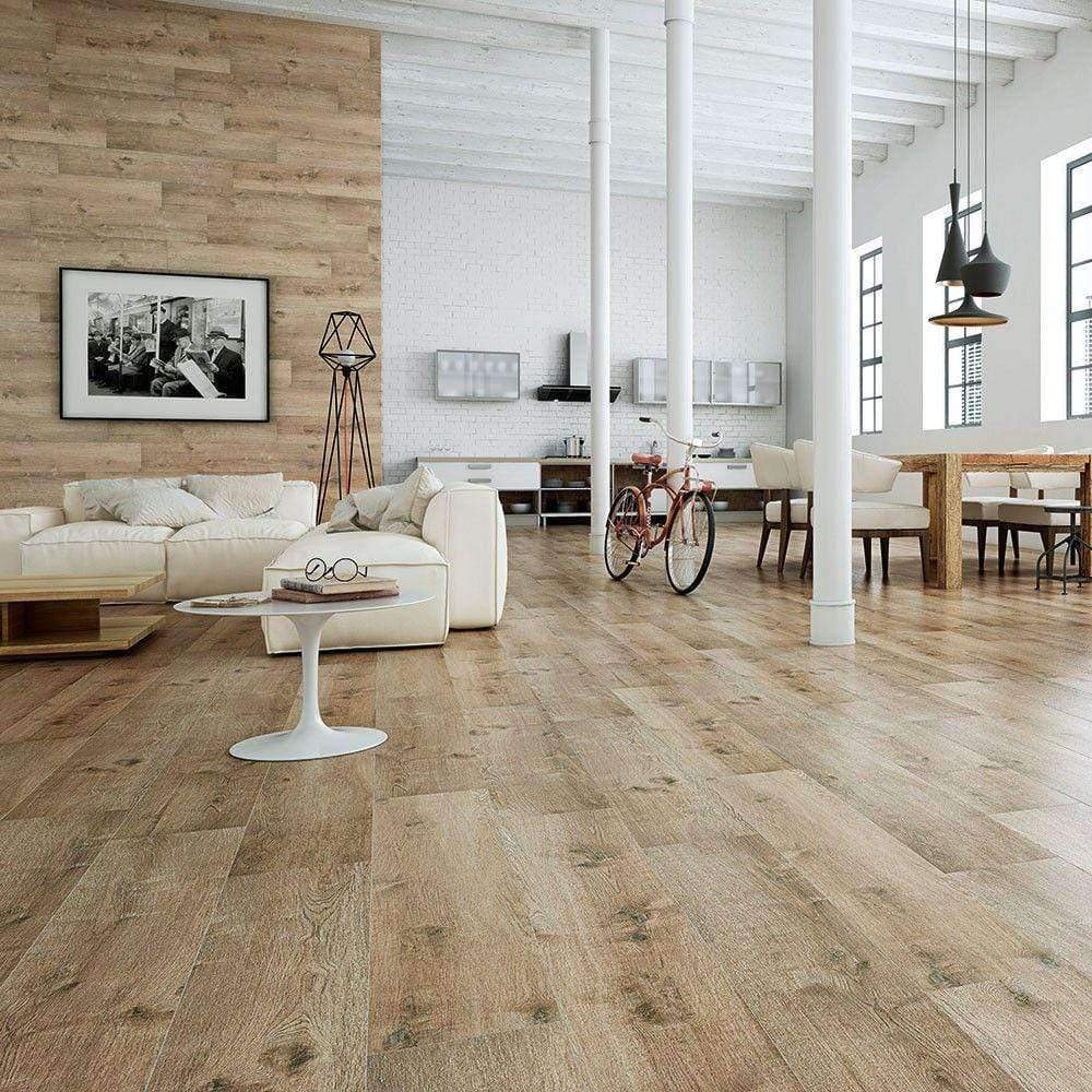 Rich Natural Oak Wood Effect Tile