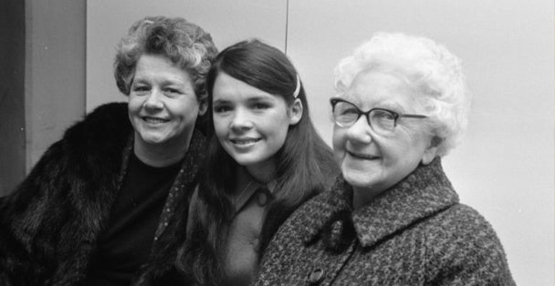 grandma-with-daughter-and-granddaughter-blog