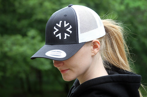 AMA Star Snapback - Black/White